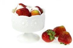 Fresa con crema Imágenes de archivo libres de regalías