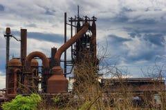 Fresa de aço de Ashland Kentucky sob céus nebulosos imagens de stock royalty free