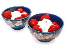 Fresas con crema Imagen de archivo libre de regalías