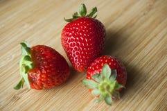 Fresas dulces frescas fotos de archivo libres de regalías