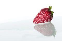 Fresas en leche Imagen de archivo libre de regalías