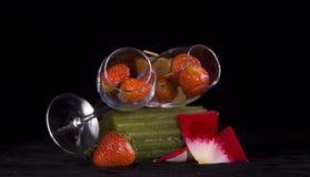 Fresas en vidrios Imagenes de archivo