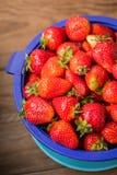 Fresas frescas del jard?n imagenes de archivo