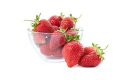 Fresas frescas en rectángulo plástico Foto de archivo libre de regalías