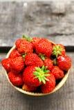 Fresas maduras ninguna OGM Fotos de archivo libres de regalías