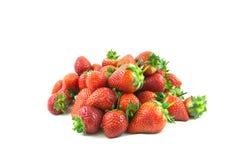 Fresas perfectas maduras rojas frescas aisladas en blanco Fotos de archivo libres de regalías