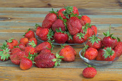 Fresas rojas maduras frescas foto de archivo