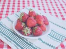 Fresas y diagonales foto de archivo libre de regalías