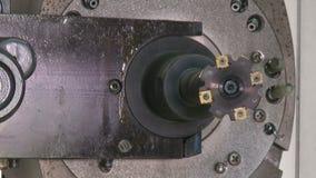Fresatrice di CNC, cambiamento automatico dello strumento, metraggio di HD, primo piano video d archivio