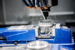 Fresatrice metallurgica di CNC Fotografia Stock Libera da Diritti