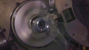 Fresatrice metallurgica Tecnologia della trasformazione moderna del metallo di taglio video d archivio