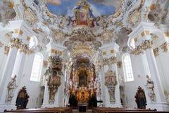 Fresco da parede e do teto do patrimônio mundial da igreja do wieskirche no bavaria Imagem de Stock