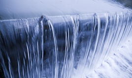 Fresco, fresco, cascada del agua potable Foto de archivo