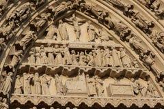 Fresco religioso na catedral de Amiens fotografia de stock royalty free
