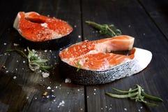 Fresco un salmone Fotografia Stock