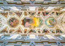 Frescoed Wölbung durch Federico Spoltore in der Kirche des GesÃ-¹ in Palermo Sizilien, Italien stockbild