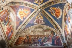 Frescoes i det Sassetti kapellet i basilikan av Santa Trinita, Fl Royaltyfri Foto