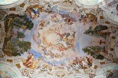 Frescos på barockkyrkan Royaltyfri Bild