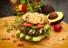 Fresh avocado burger Royalty Free Stock Photography