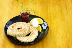 Fresh bagel with cream cheese Royalty Free Stock Photography