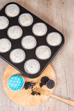 Cookies and cream cheesecakes in muffin forms Royalty Free Stock Photography
