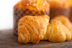 Fresh baked muffin and croissant mignon Royalty Free Stock Photography