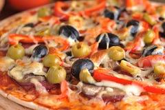 Fresh baked pizza Royalty Free Stock Photos