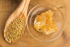 Fresh bee pollen with honeycomb Royalty Free Stock Photos
