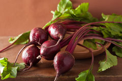 Fresh beet in wooden bowl Royalty Free Stock Photos