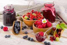Fresh berries and jam Royalty Free Stock Images