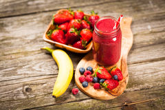 Fresh berry smoothie Royalty Free Stock Images