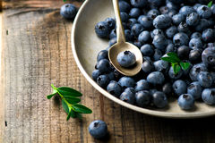 Fresh blueberry in to the basket Royalty Free Stock Photography