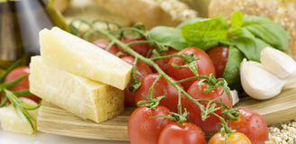 Fresh bread, herbs and vegetables Stock Photography