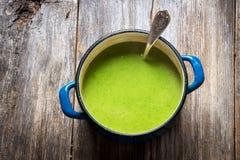Fresh broccoli soup Royalty Free Stock Photography