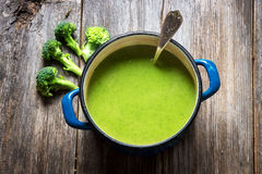 Fresh broccoli soup Royalty Free Stock Photography