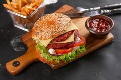 Free Fresh Burger Royalty Free Stock Photos - 63146848