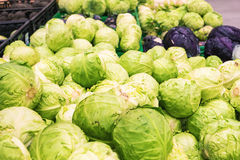 Fresh cabbage at farmers market Royalty Free Stock Photography