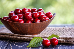 Free Fresh Cherries In Bowl On Table Stock Photos - 72146463