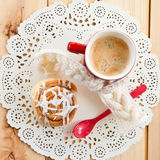 Fresh cinnamon roll and coffee Royalty Free Stock Images