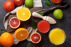 Fresh citruses and juice Royalty Free Stock Photography