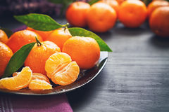 Fresh clementines with leaves Royalty Free Stock Photos