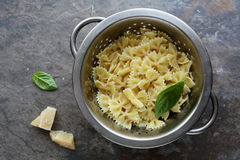Fresh cooked pasta in colander Royalty Free Stock Photos