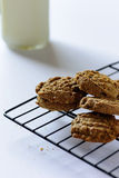 Fresh cookies on a cooling rack Stock Photography