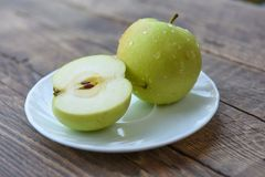 Fresh cut apples Royalty Free Stock Photography