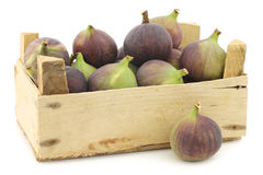 Fresh figs (Ficus carica) in a wooden crate Royalty Free Stock Photos