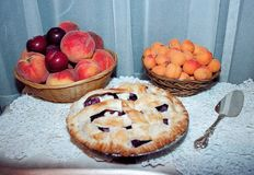 Fresh fruit and pie Royalty Free Stock Images