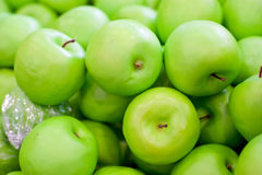 Fresh fruit on the shelves, green apple Royalty Free Stock Photos