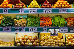 Fresh fruit and vegetables market Royalty Free Stock Photography