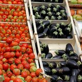 Fresh fruits and vegetables in the market 1 Royalty Free Stock Photos