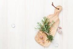 Fresh garden rosemary and garlic Royalty Free Stock Photography